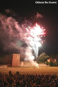 Chateau des Essarts photo de nuit feux d'artifice