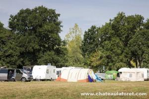 Photo terrain de camping avec emplacements