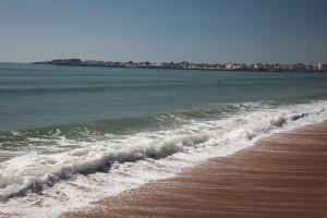 Photo de plage avec vague saint gilles