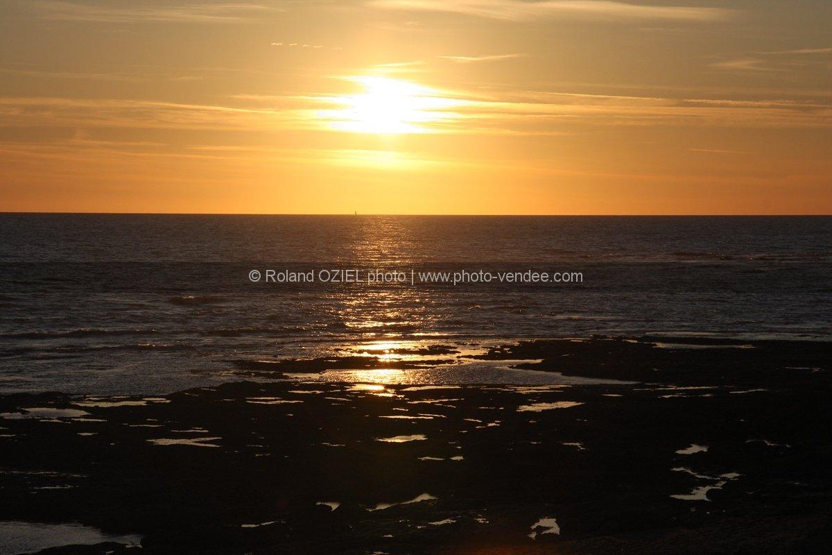 Photo coucher de soleil br tignolles sur mer photo vend e - Coucher de soleil en mer ...