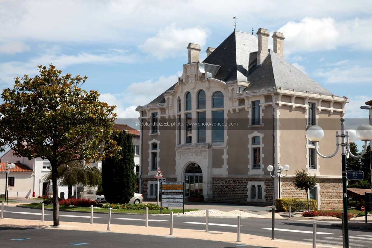 Photo ancien hotel de ville challans