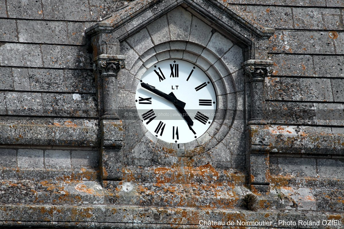Photo horloge de l'eglise de noirmoutier