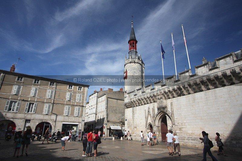 Photo hotel de ville la rochelle mairie photo vend e for Hotel la rochelle piscine