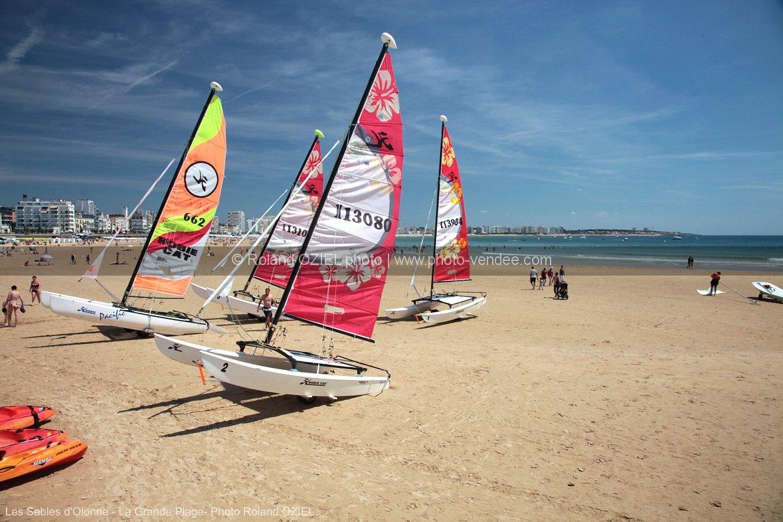 Photo de la grande plage des sables d 39 olonne avec cata - Cuisiniste les sables d olonne ...