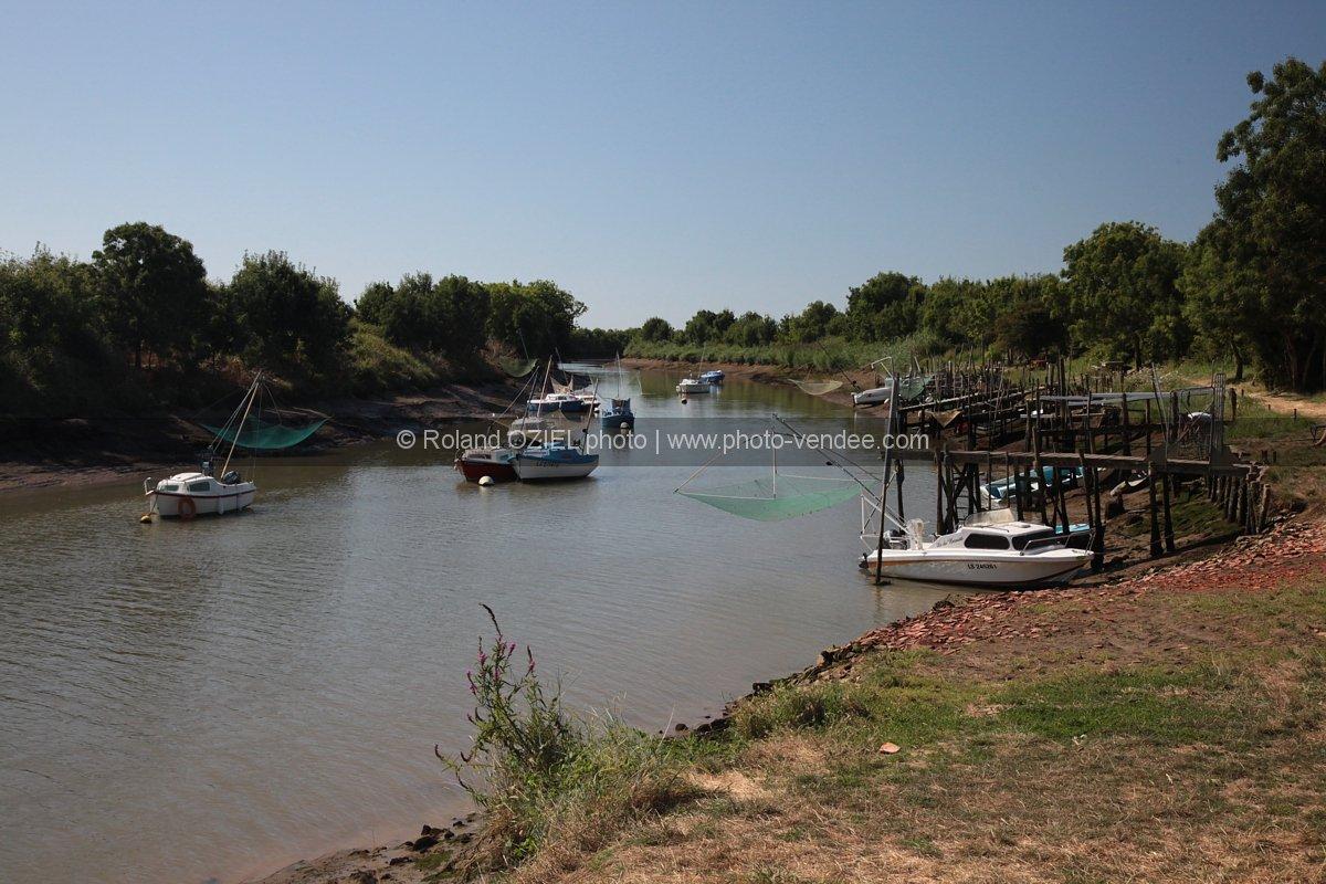 photo port de moricq bateau sur le lay photo vend 233 e