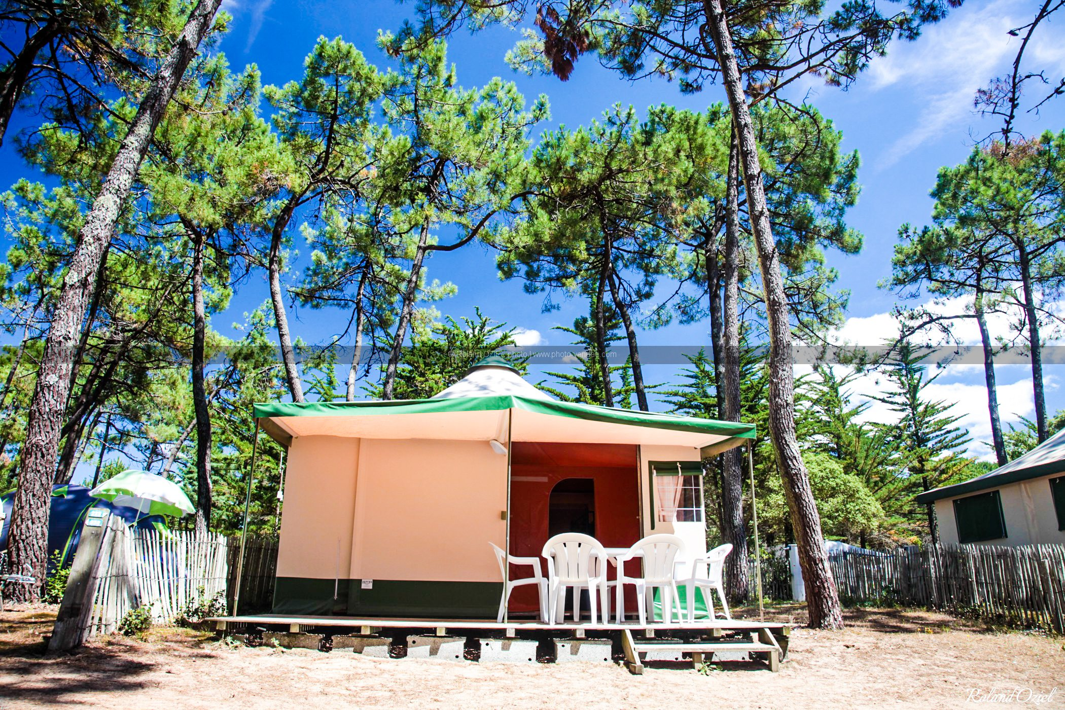 Photo camping saint hilaire de riez bungalow toilé Vendée