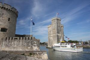 Photo 2 tours La Rochelle