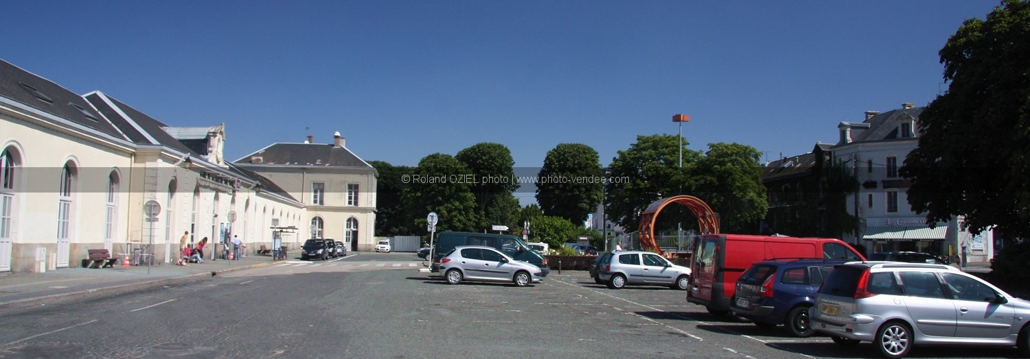 Photo parking gare la roche sur yon